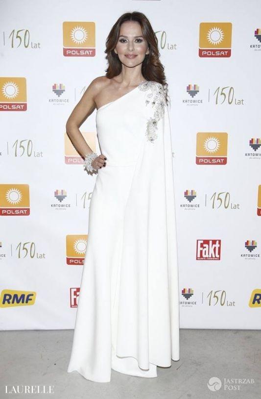 Biała suknia wieczorowa