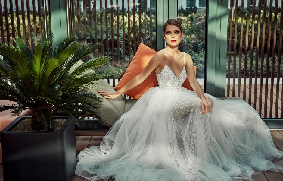 74963af240 Laurelle - salon sukien ślubnych w Warszawie. suknie wieczorowe i casual